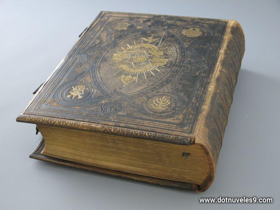 19antikvarine-biblija.jpg